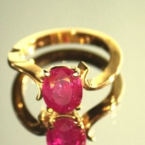 Burmese Ruby 2.85ct 18K Solid Gold Ring